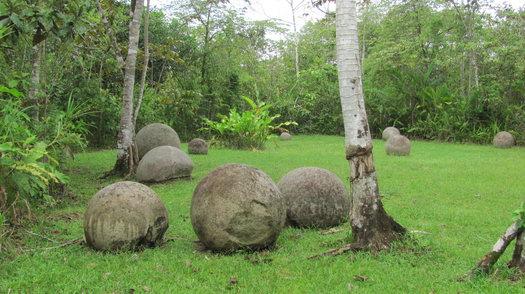 Загадочные шары на земле Коста-Рики.