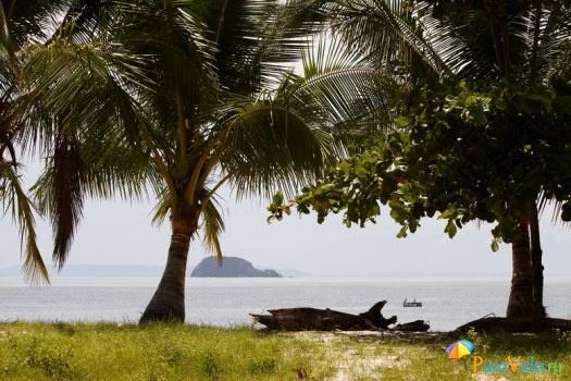 Пляжный пейзаж залива Никоя